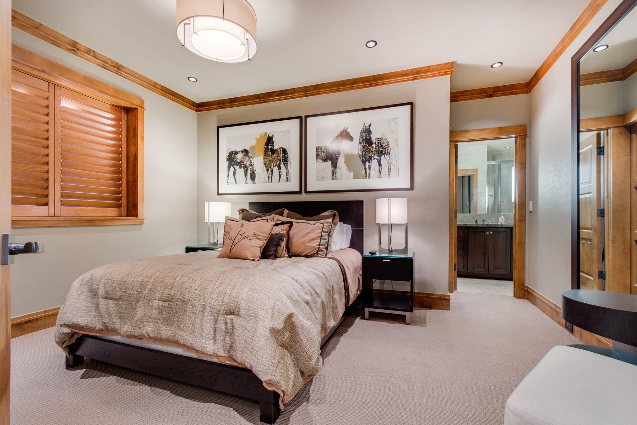 Main House: Guest Suite 1