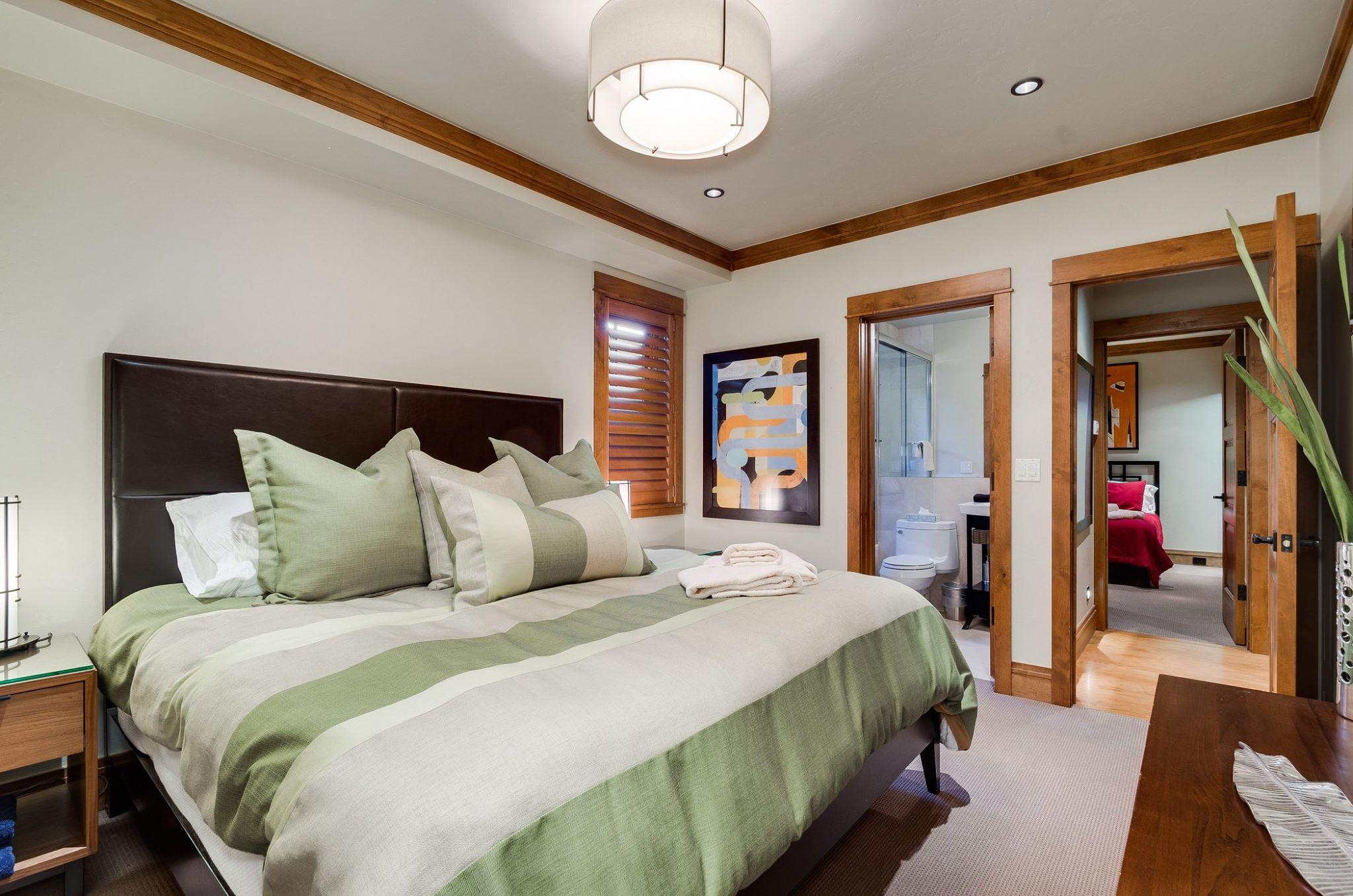 Cottage: Master Suite