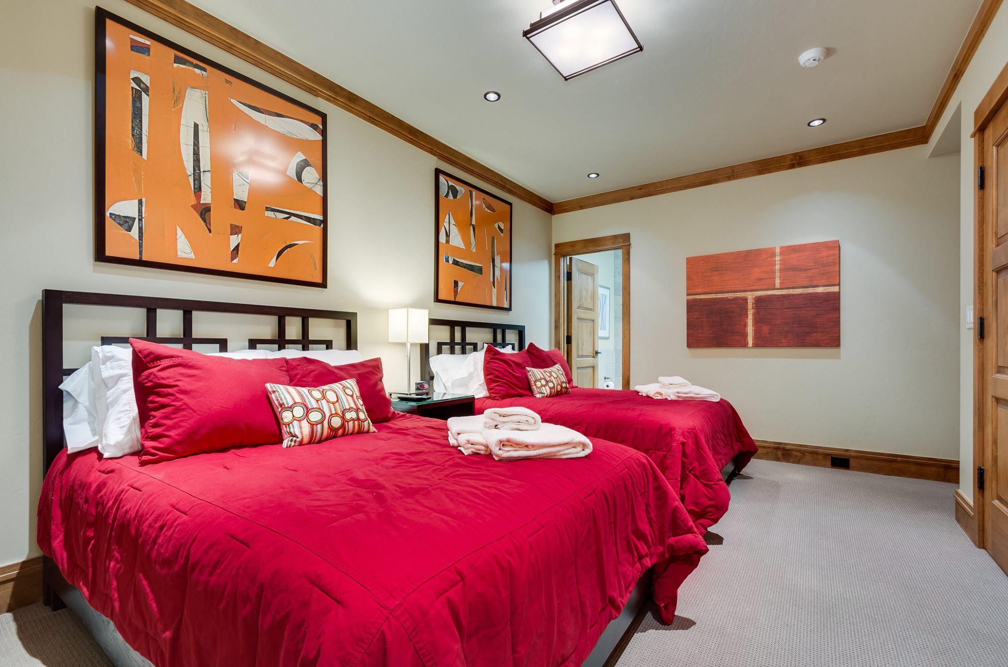 Cottage: Guest Suite